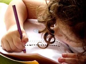 crianca_estudo